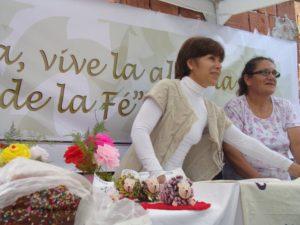 Exponiendo sus producciones en la Fiesta Patronal del Ingenio Primer Correntino