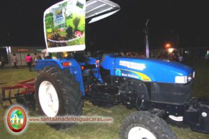 """La Escuela del Ingenio """"EFA Tupá Rembiapo"""" expuso el tractor con el cual prestan servicio a la comunidad"""