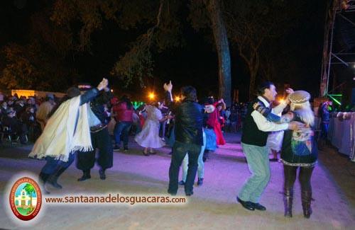 Tradicional serenata a Santa Ana