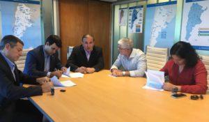 foto del encuentro y firma